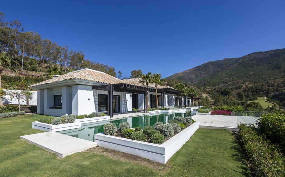 Luxury villa for sale in La Zagaleta
