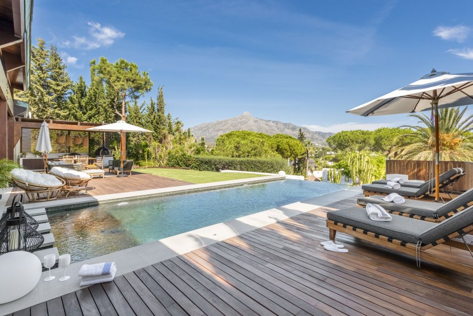 Six bedroom Bali styled Villa located in Las Brisas, Nueva Andalucia