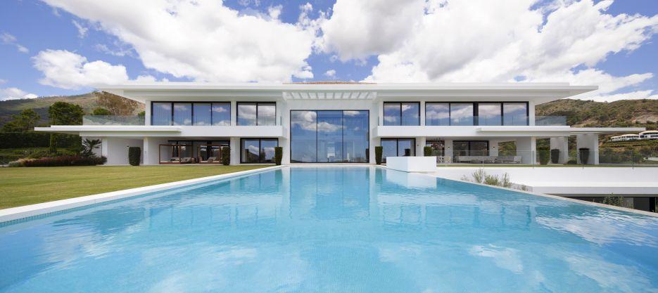 Stunning villa for sale in La Zagaleta