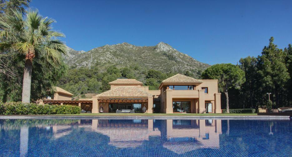Stunning villa for sale in Cascada de Camojan, Marbella Golden Mile