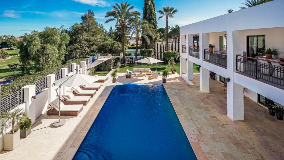 Newly renovated villa frontline to golf in las Brisas