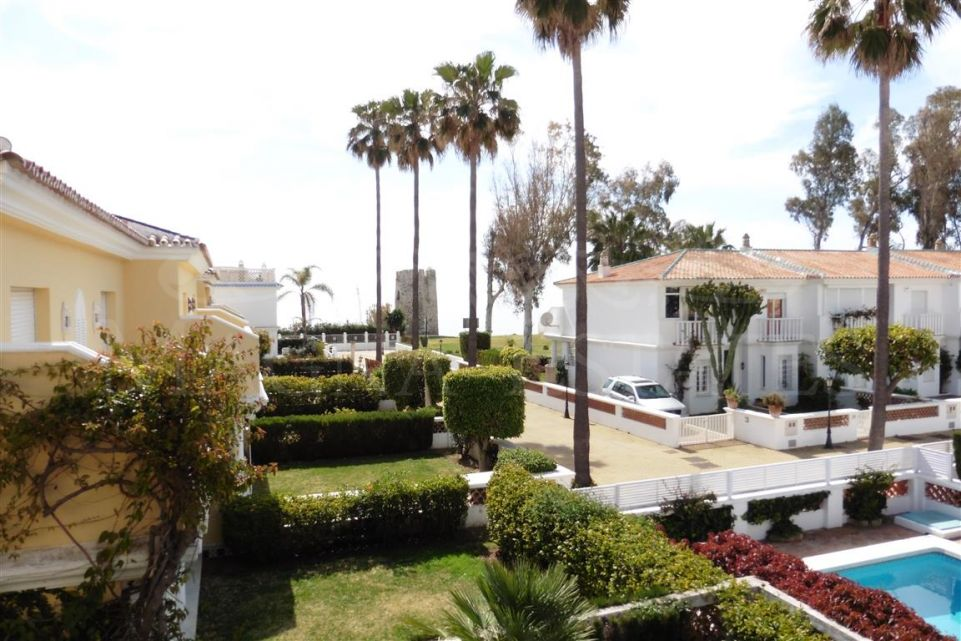 Charming villa beside the sea in Guadalmina Baja, Marbella.