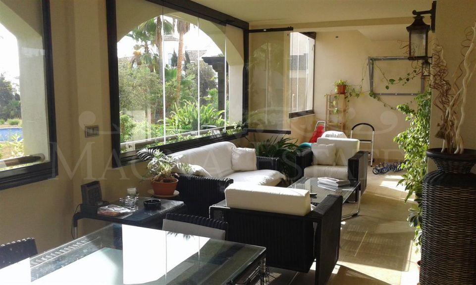 Apartment 4 bedrooms and 4 bathrooms in Medina de Banús