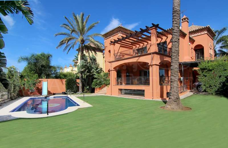 Fantastic villa in Marbella centre