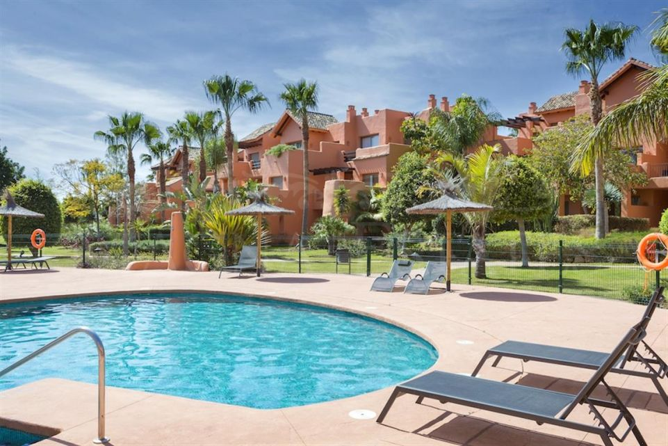 Apartments from 1, 2 and 3 bedrooms in Sotoserena
