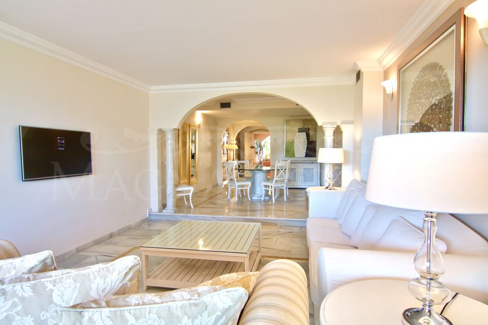 Large 2 bedrooms apartment for long term rent in Magna Marbella
