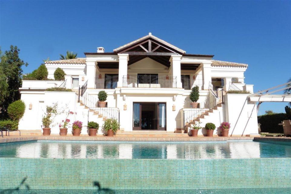 Spectacular villa in El Mirador del Paraíso