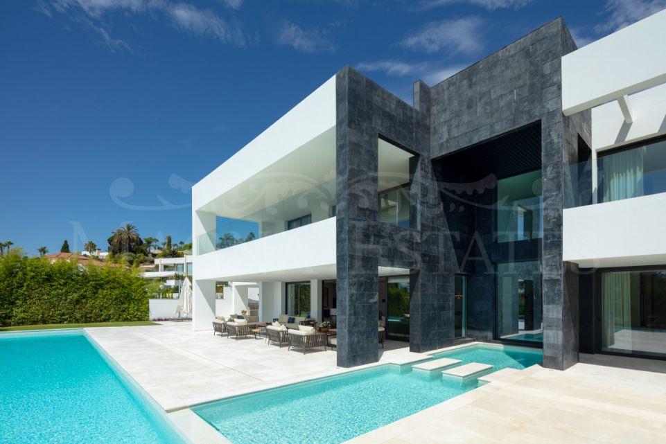 La esencia de Marbella hecha villa: propiedad sublime en La Cerquilla