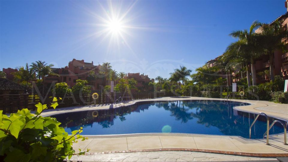 Fully furnished 3 bedroom apartment in Las Nayades, Estepona