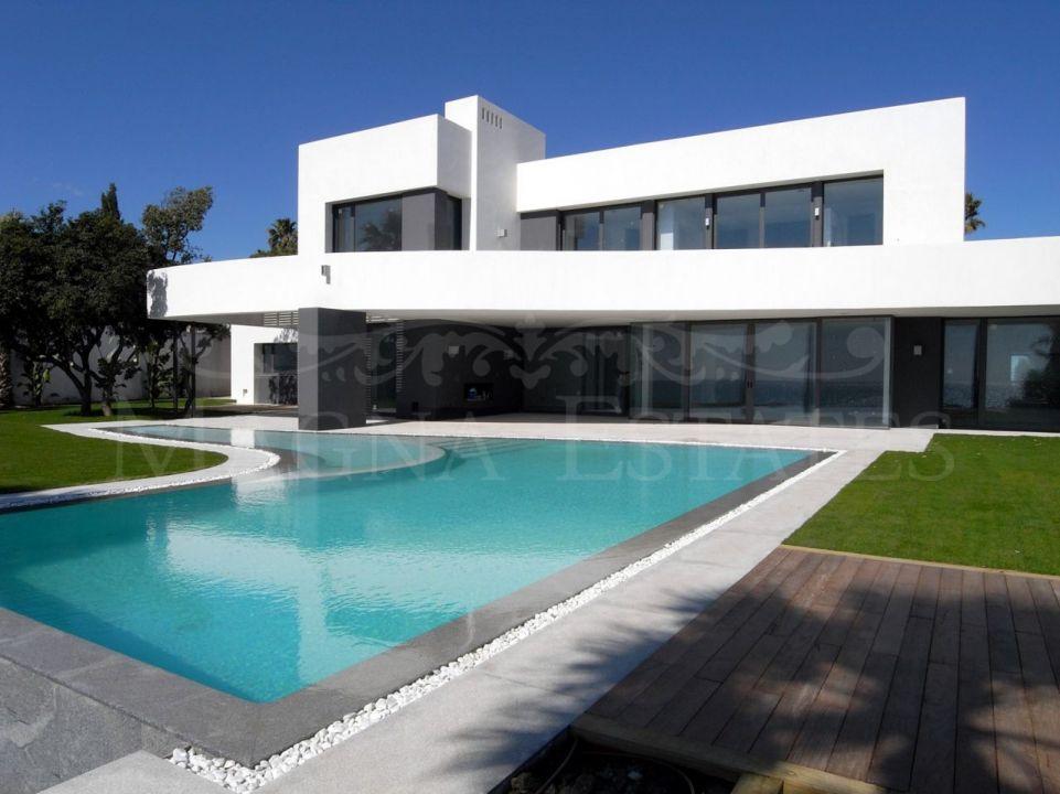 Villa in Los Monteros Playa