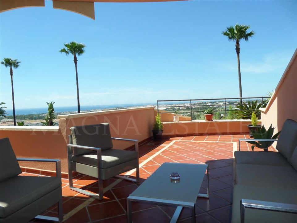 Rental apartment in Nueva Andalucía with sea views