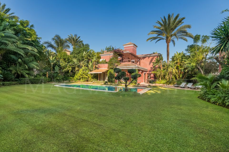 Classic villa in the golden mile of Marbella