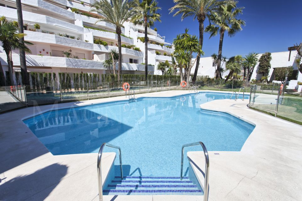 Apartment completely renovated in Jardines de Andalucia, Marbella