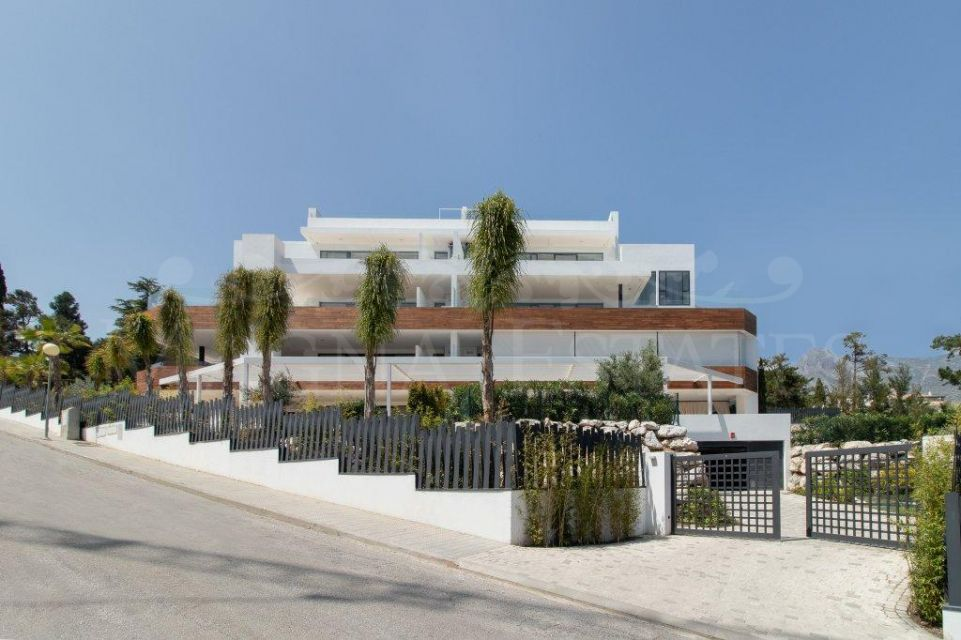 Luxury apartments and duplex brand new on the Golden Mile of Marbella