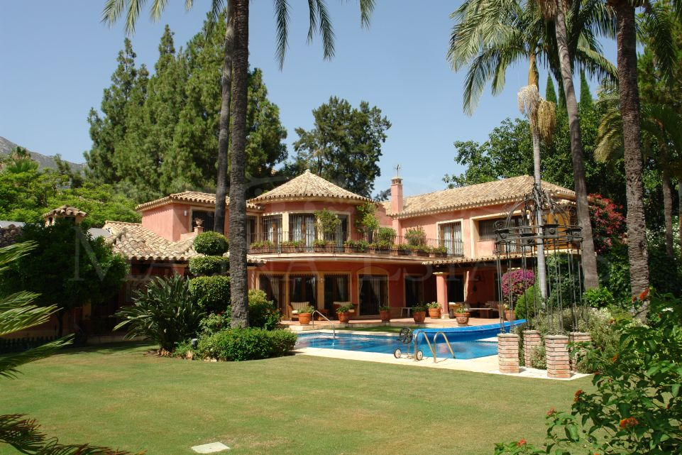 Exclusive and luxurious villa in Rocío de Nagüeles, on the Golden Mile of Marbella