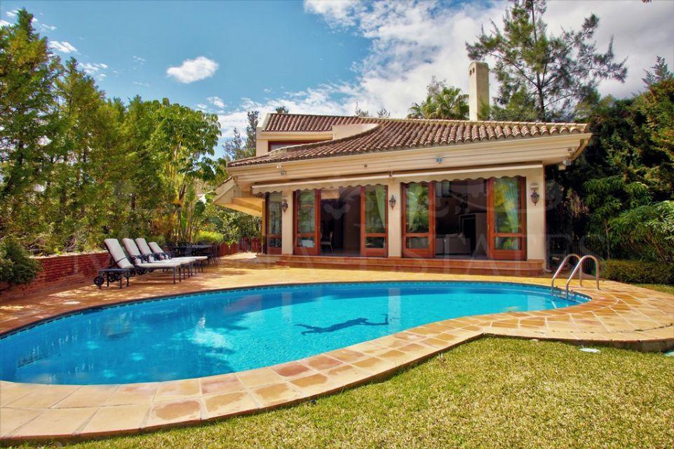 Villa in El Herrojo Alto, La Quinta, Benahavís