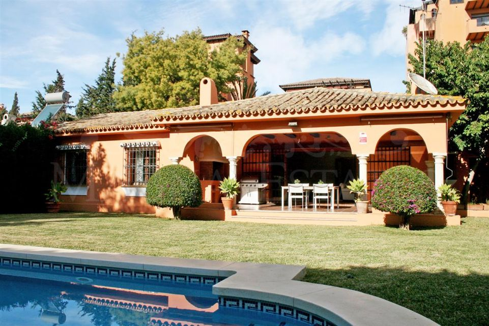 Villa 200 meters from the beach in the new golden mile