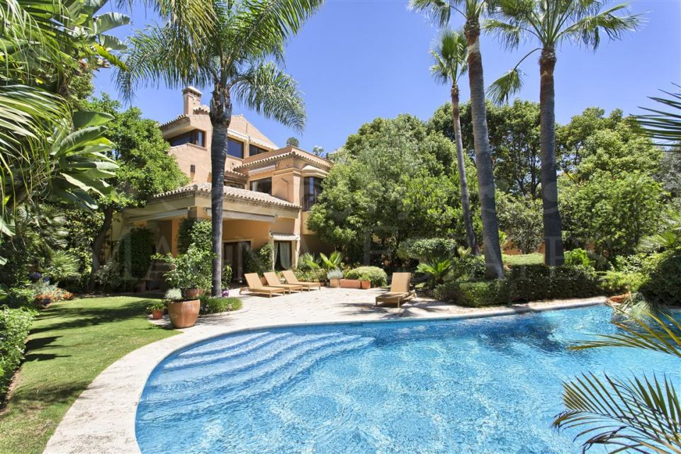 Exceptional villa in the Golden Mile, Marbella