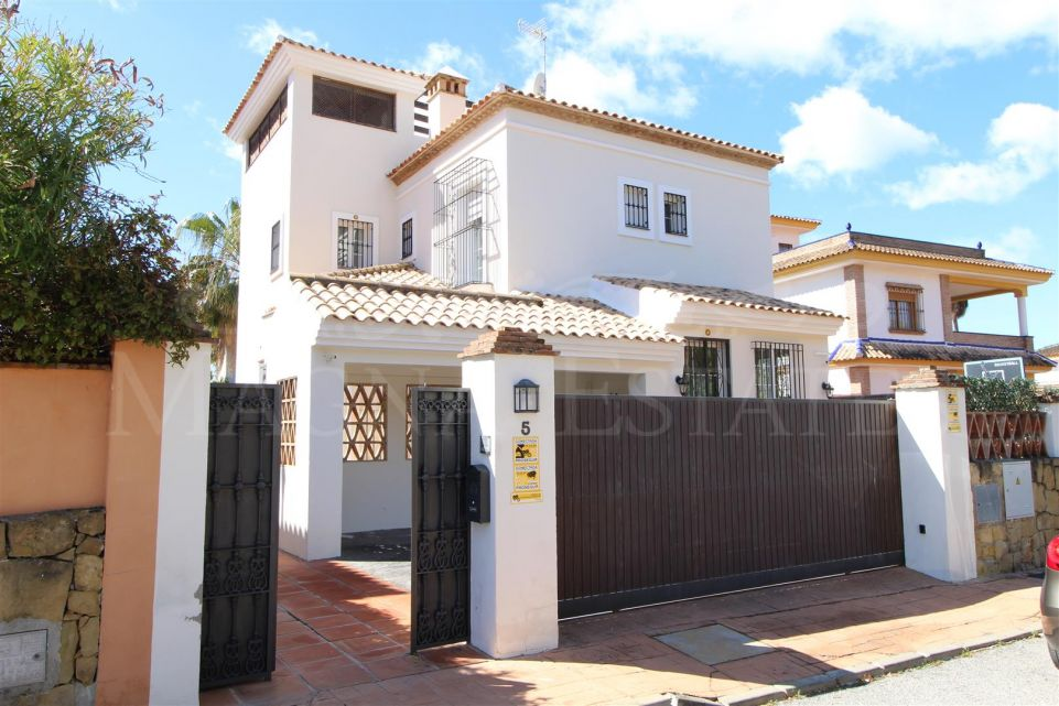 Family villa in the center of Marbella, a step away from everything
