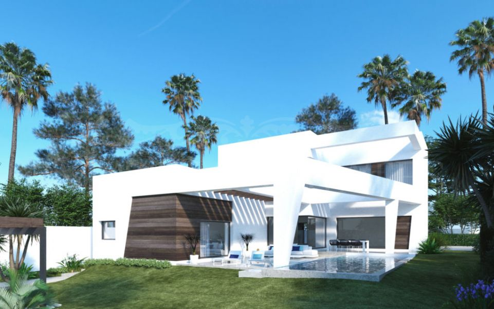 Contemporary villa in Linda Vista Beach, Marbella