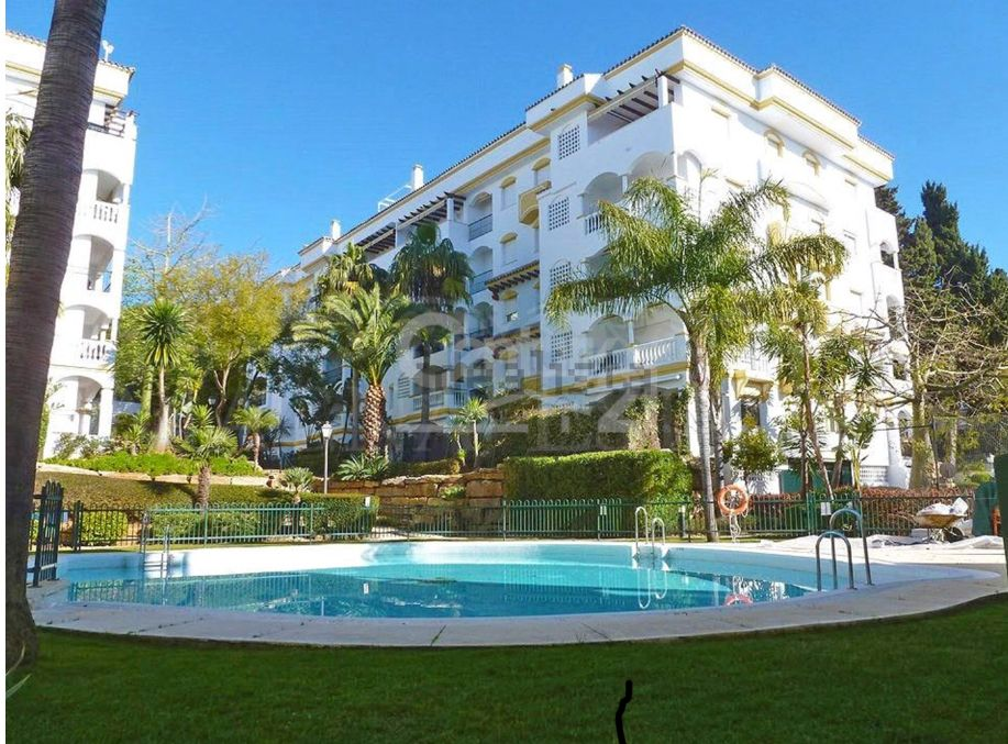 2 bedroom apartment on the Golden Mile of Marbella at a great price