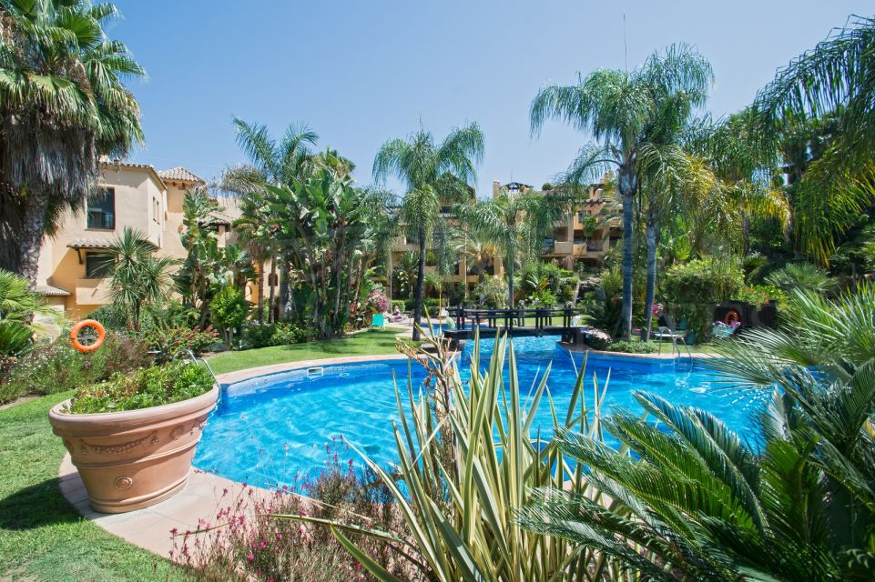 3 bedroom duplex penthouse in Campanario, Estepona.