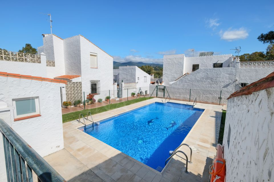 Cozy terraced house in Puerto Roman, Estepona
