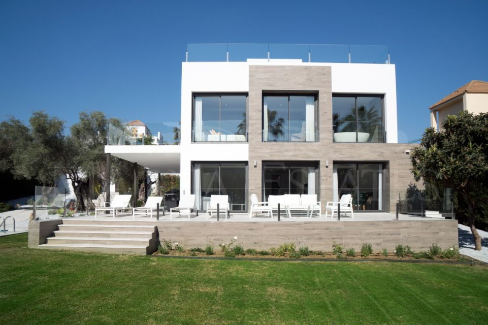 Fully renovated villa with contemporary style in Las Brisas, Marbella