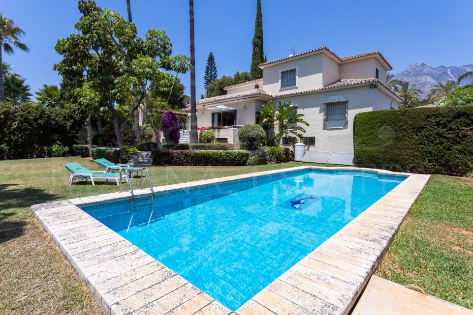 Charming family villa in the residential area of ​​Nagüelles, Marbella