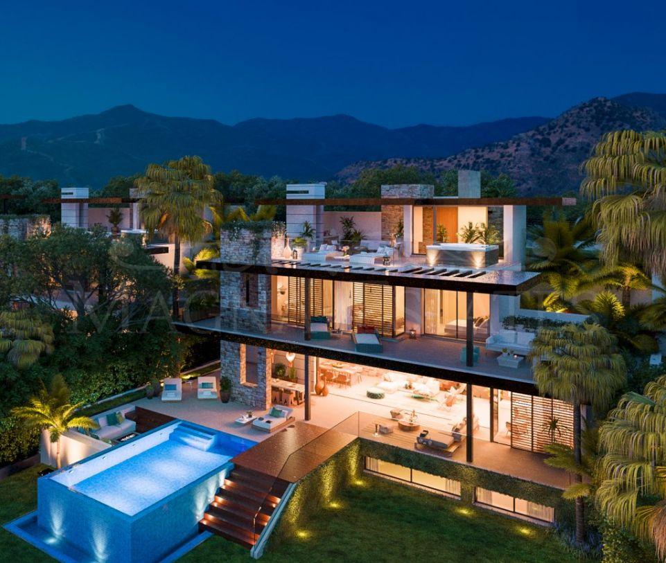 Villa with magnificent panoramic views in La Alquería, between Marbella and Benahavís