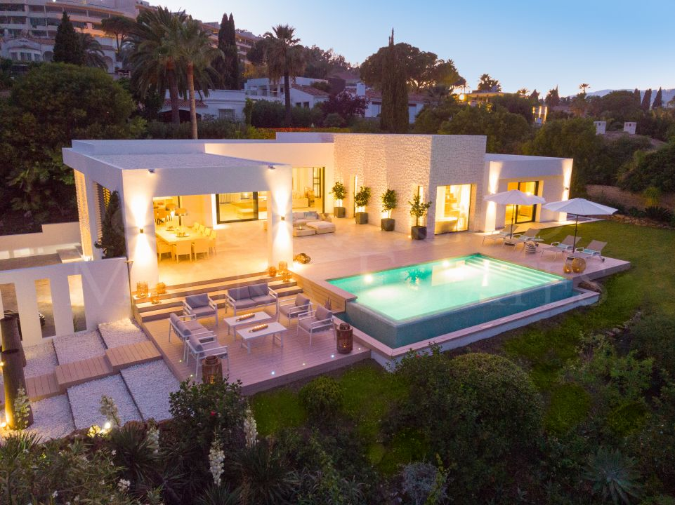 Newly renovated and brand new villa in Las Brisas
