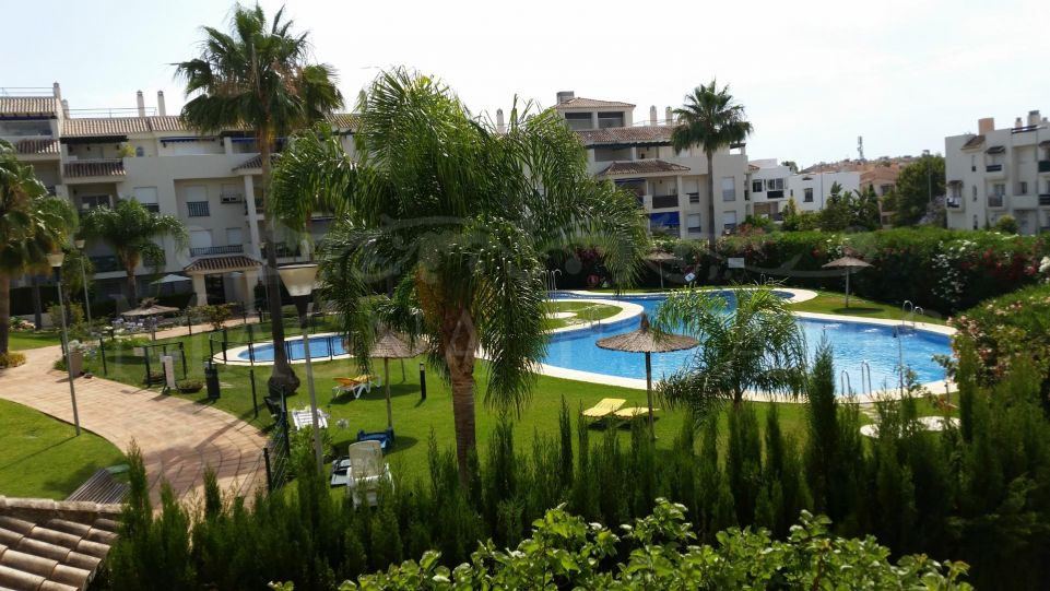 1 bedroom apartment in Nueva Andalucía, Opportunity!