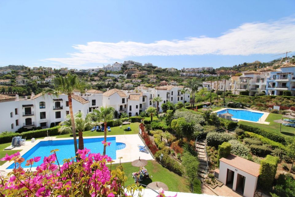 Very refurbished 3 bedroom apartment in Los Arqueros - Benahavís