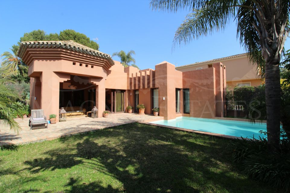 Villa de alta clase en Atalaya de Río Verde, Nueva Andalucía,
