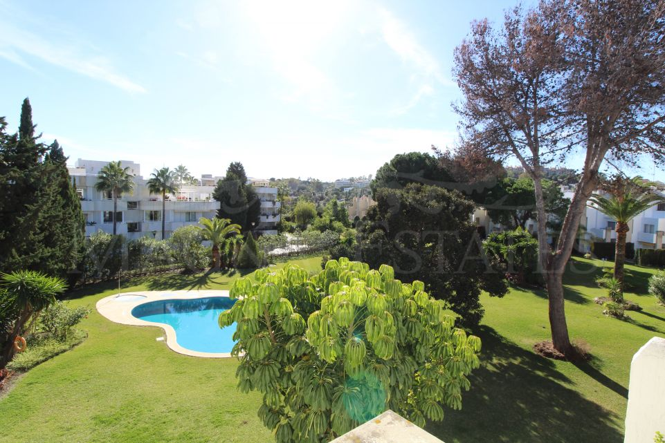Charming 3 bedroom penthouse in Nueva Andalucía
