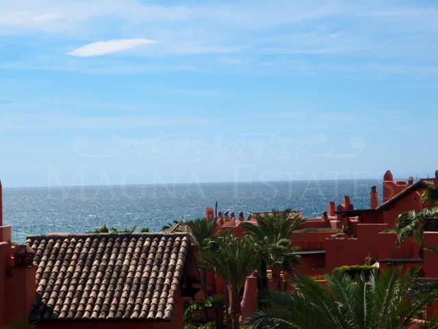 3 bedroom apartment with sea views on the New Golden Mile, Estepona