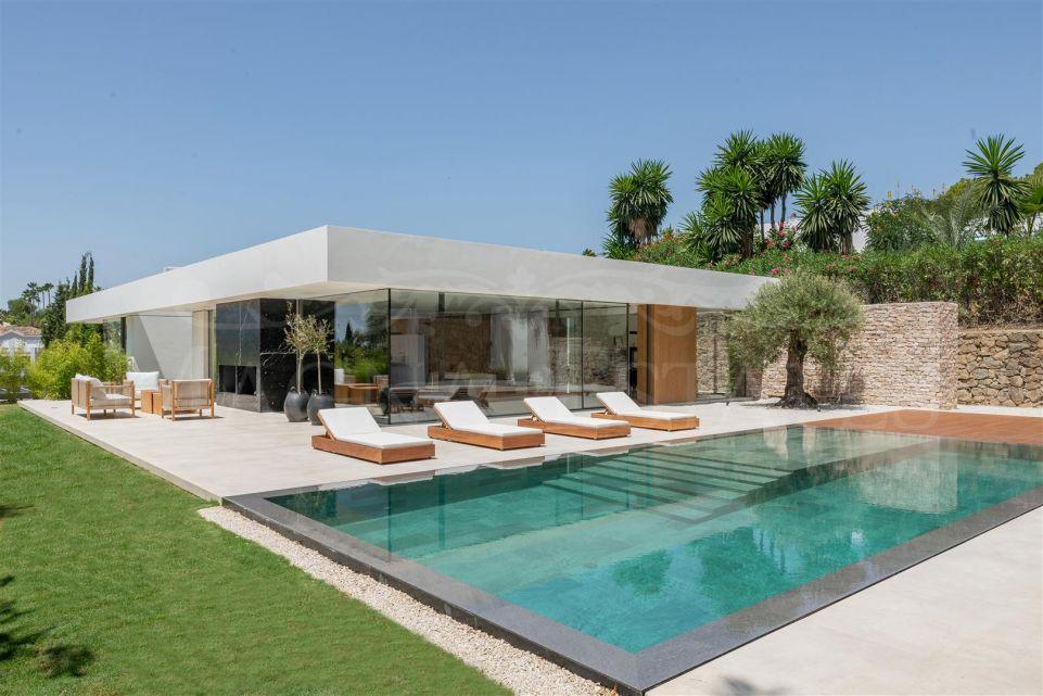 Villa de estilo ibicenco a estrenar en La Cerquilla, Nueva Andalucía