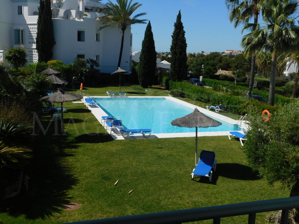 2 bedroom apartment on the first line of golf in Guadalmina, Marbella