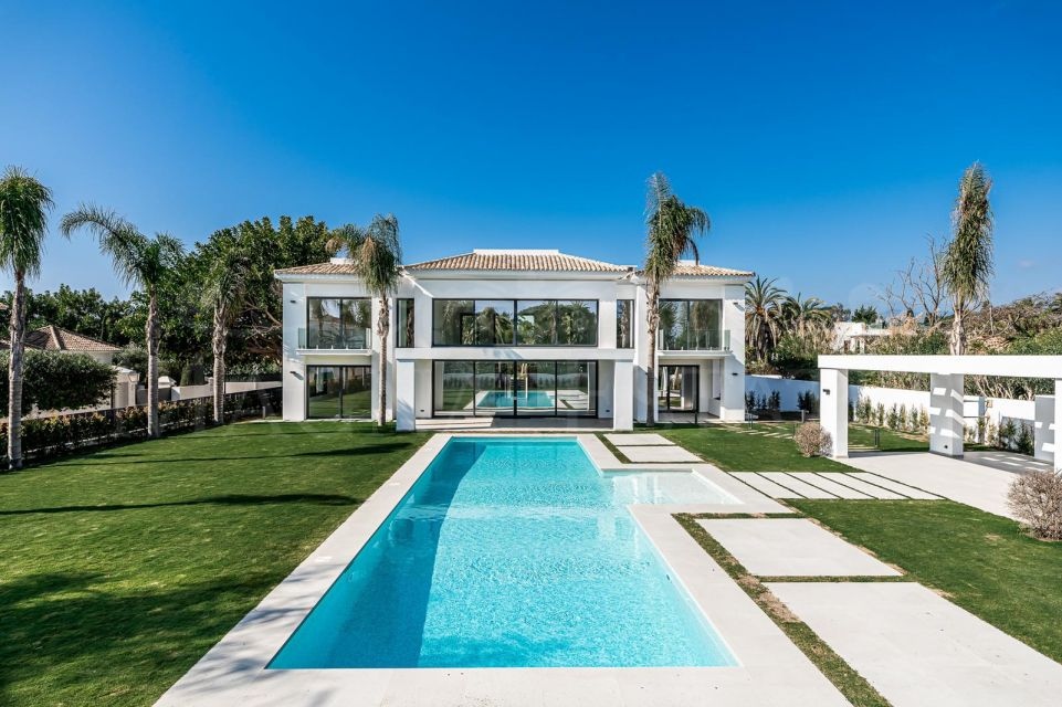 Beautiful newly built villa in Casasola, just 100 meters from the beach