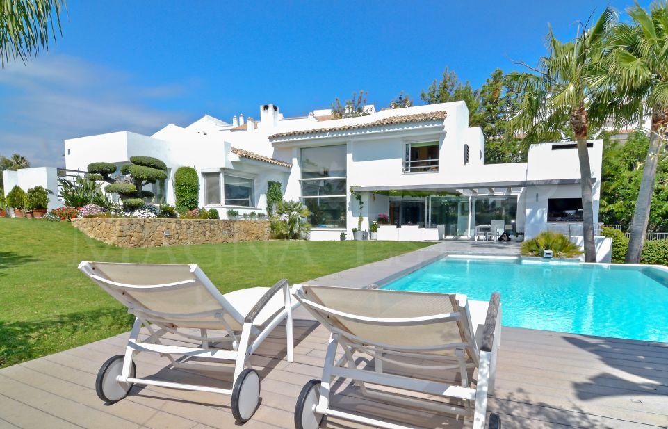 Modern - traditional villa in Nueva Andalucía, Marbella