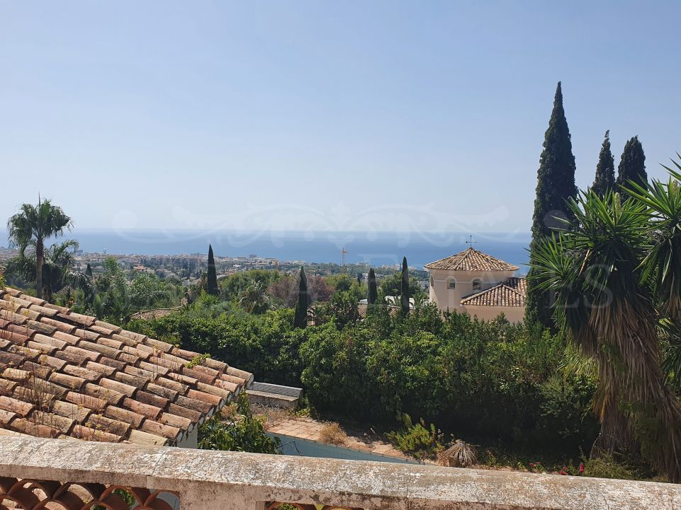 For investors: villa in Sierra Blanca, Marbella, to rebuild