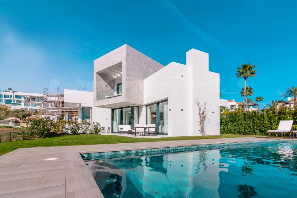 Contemporary design villa in Mirador del Paraíso, Benahavís