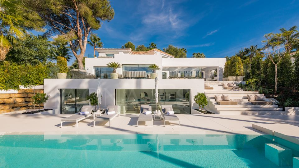 Fully renovated villa in Nueva Andalucía, next to Las Brisas golf
