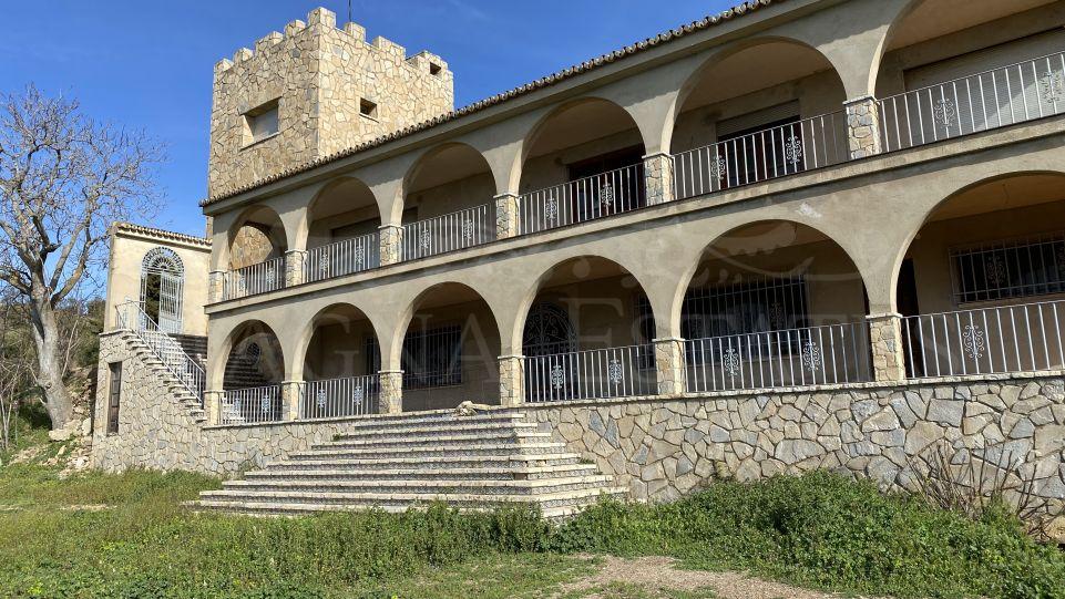 Finca with wonderful sea views in the Montes de Málaga