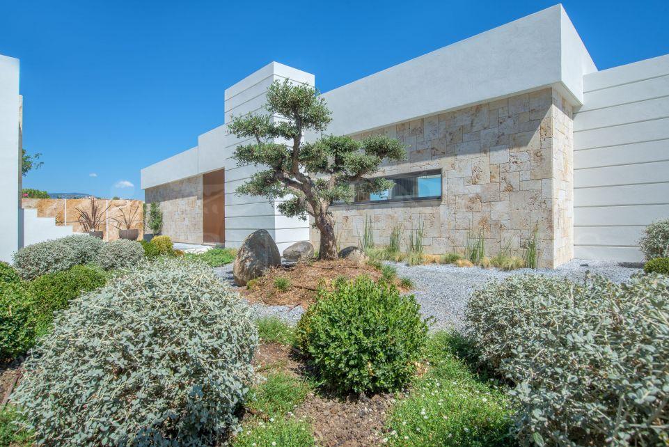 Duplex penthouse with private access and incredible views in Mirador del Paraíso, Benahavís