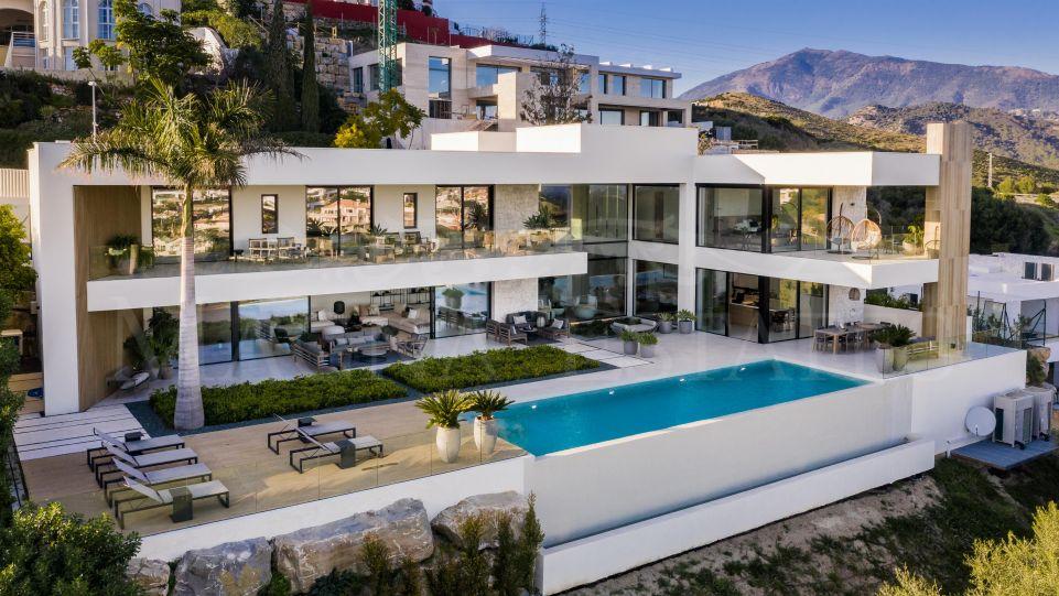 Espectacular y elegante villa de diseño en La Alquería, Benahavís