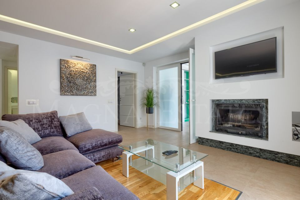 3 bedroom apartment in Puerto Banús completely renovated