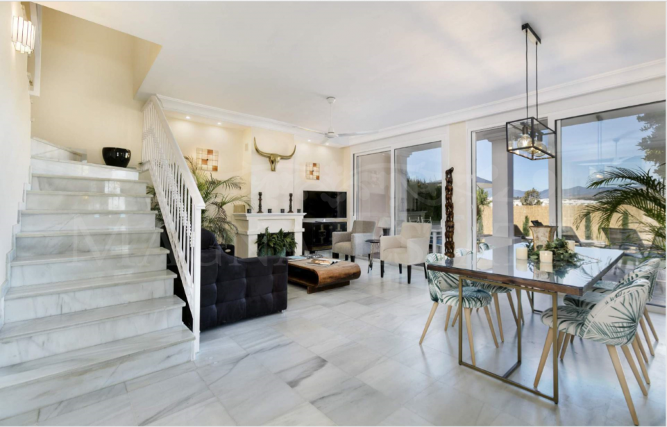 Townhouse in gated community in the area of Puerto Banús, Marbella