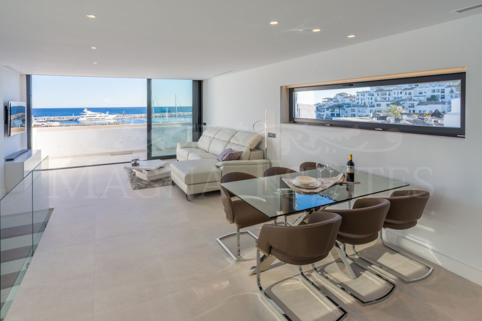 Puerto Banús: Fully renovated duplex penthouse with extraordinary views.