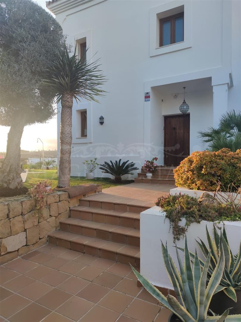 Villa with sea and golf views on the New Golden Mile, Estepona